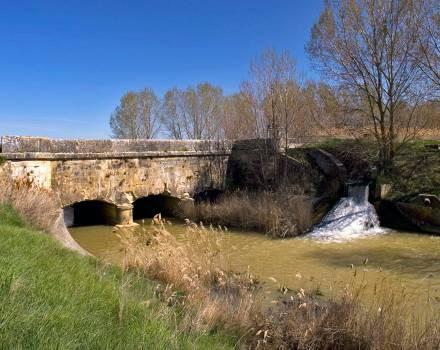 Acueducto de Arroyo Mayor. Paredes de Nava (Palencia)