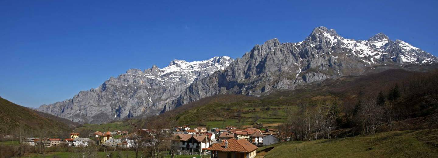 Picos Europa (Espacio Natural). Posada de Valdeon