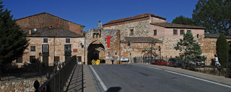Ayllón. Puerta de la Villa