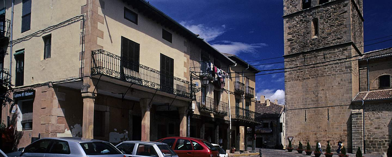 Riaza. Arquitectura popular e Iglesia de Nuestra Señora del Manto