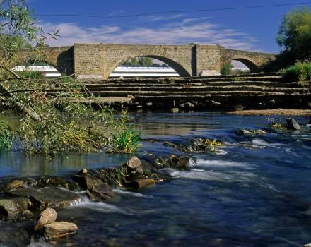 Puente de La Vizana. Alija del Infantado (León)