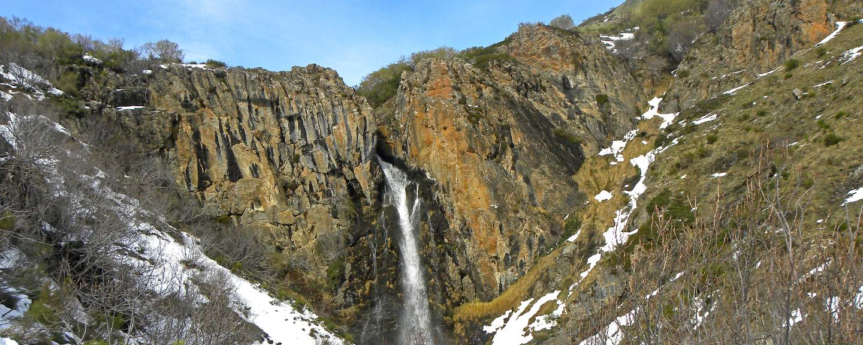 Fuentes Carrionas y Fuente Cobremontaña. Cascada Mazobre