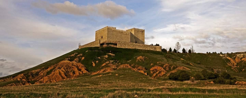 Castillo de monz n de campos portal de turismo de la for Oficina de turismo leon